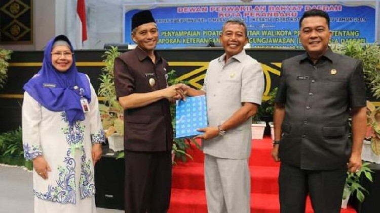Sidang Paripurna DPRD Kota Pekanbaru Laporan LKPJ Pemko Tahun 2018