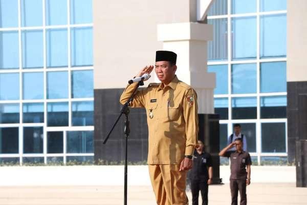 Walikota Pekanbaru Pimpin Apel di Perkantoran Tenayan Raya