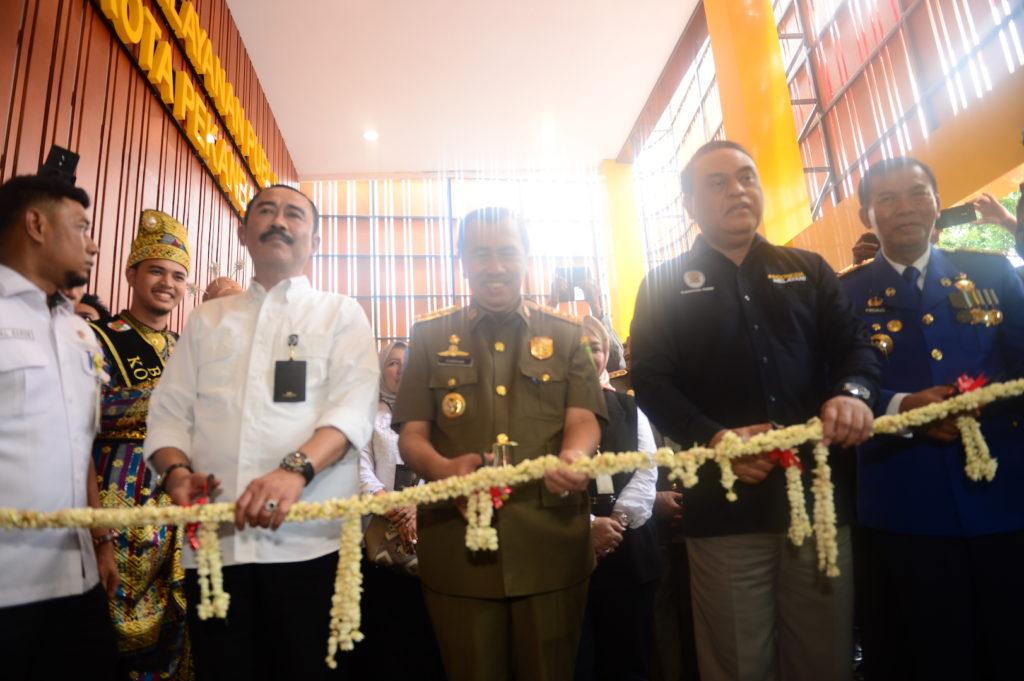 "Peresmian MPP Terlengkap se-Indonesia Oleh Menpan RB "" H. Syafruddin "" di Kota Pekanbaru"