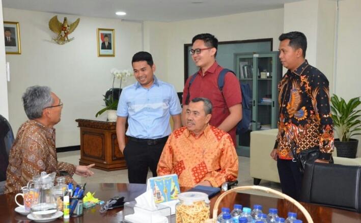 Gubri Temui Dirut LPDP, Bahas Peluang Untuk Masyarakat Riau Peroleh Beasiswa
