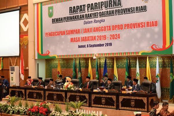 Anggota DPRD Riau Masa Jabatan 2019-2024 Resmi Dilantik