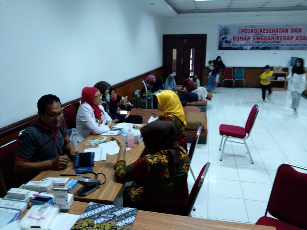 Pengunjung Posko Kesehatan Dan Rumah Kedap Asap DPRD Riau Meningkat