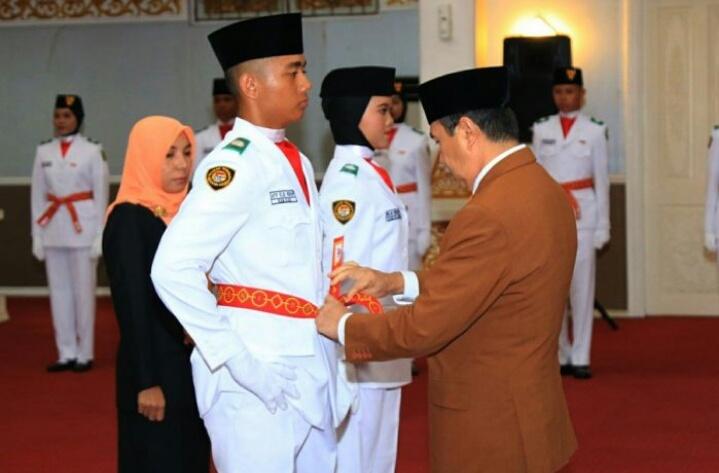 Gubri Kukuhkan Paskibra Provinsi Riau 2019