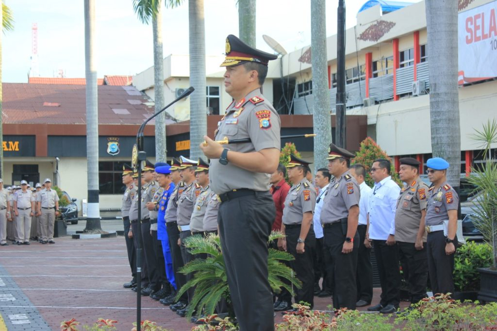 18 Personel Polda Riau Dapat Penghargaan dari Kapolda Riau