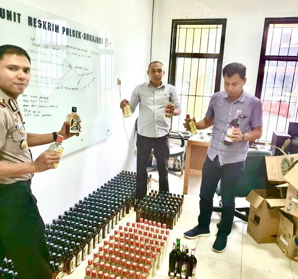 505 Botol Miras Berhasil Diamankan Polsek Sukajadi Jelang Pengamanan Natal dan Tahun Baru